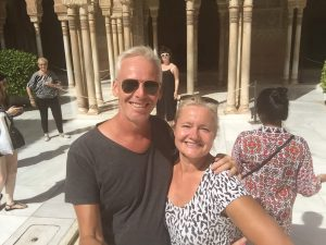 Visit the Alhambra and the city of Granada with Sunshine Tours