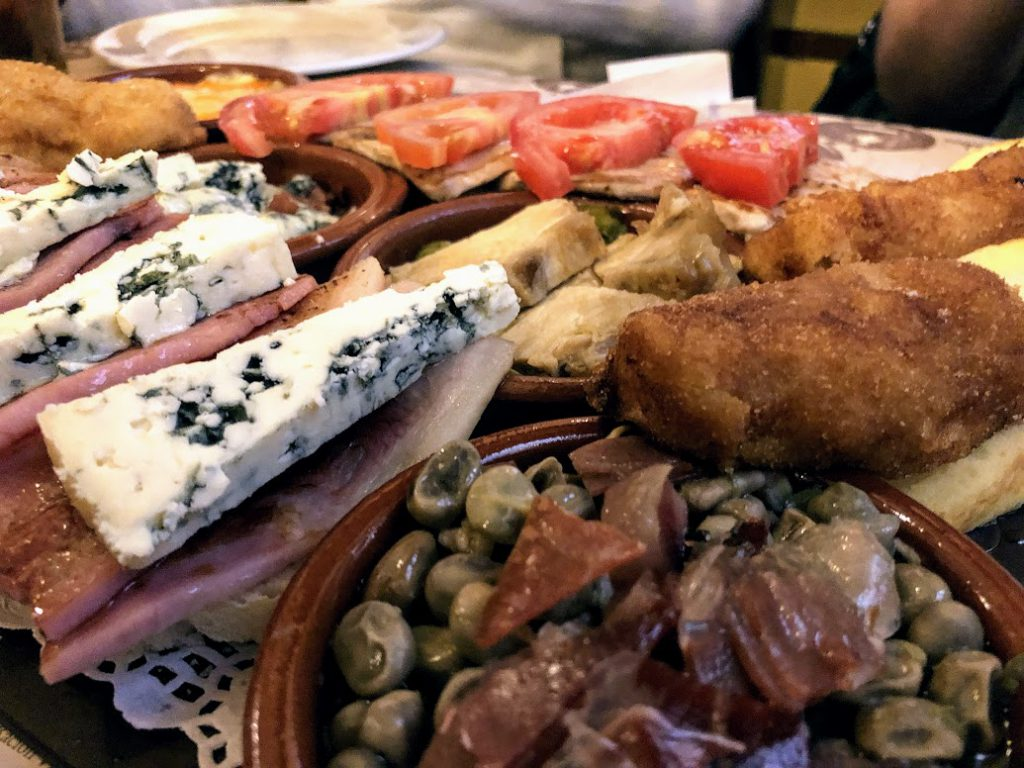 Tapas tour Malaga met Nederlandse gids. Culinaire excursie.